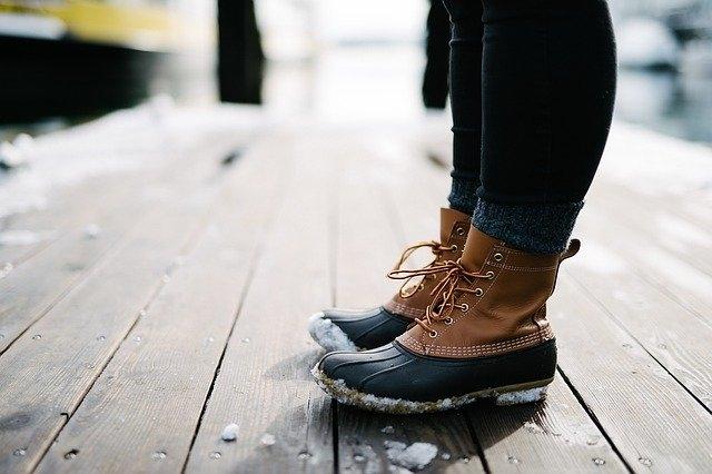 Comment porter des chaussure richelieu femme ?