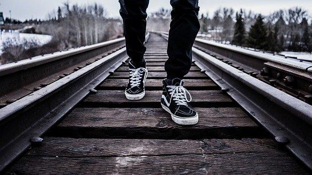 Quelles chaussures porter quand on a des grands pieds ?
