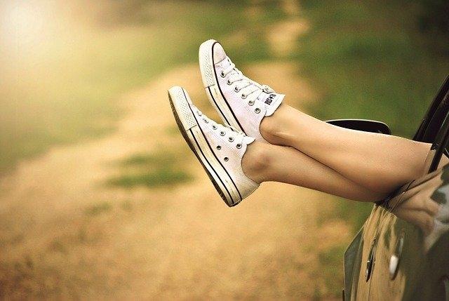 Comment porter des chaussures blanches homme ?