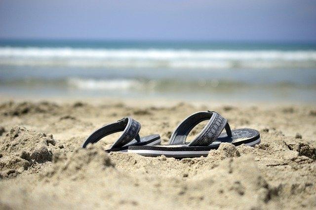 Comment porter des sandales blanches ?