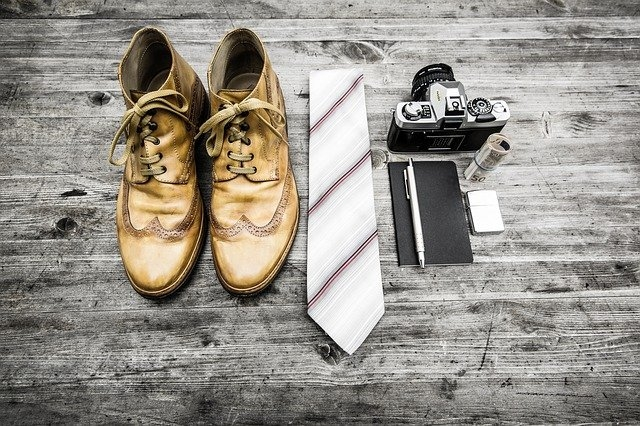 Comment porter une cravate beige ?