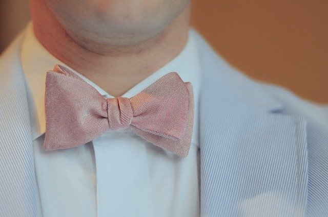 Comment raccourcir une cravate ?