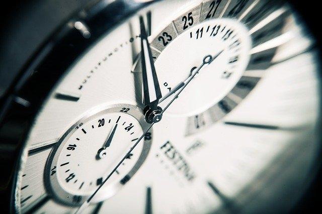 Comment retrouver la référence d'une montre ?