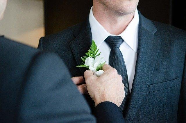 Comment se porte la cravate ?
