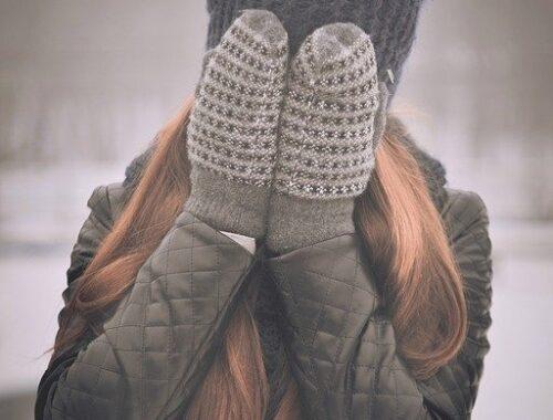 Quel bonnet pour visage rond femme ?