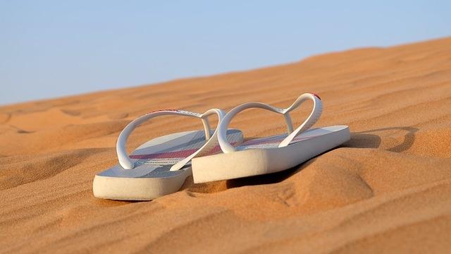 Quelle couleur de sandales choisir ?