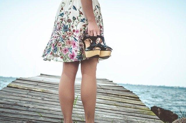 Quelles chaussures porter avec une jupe longue Plissee ?