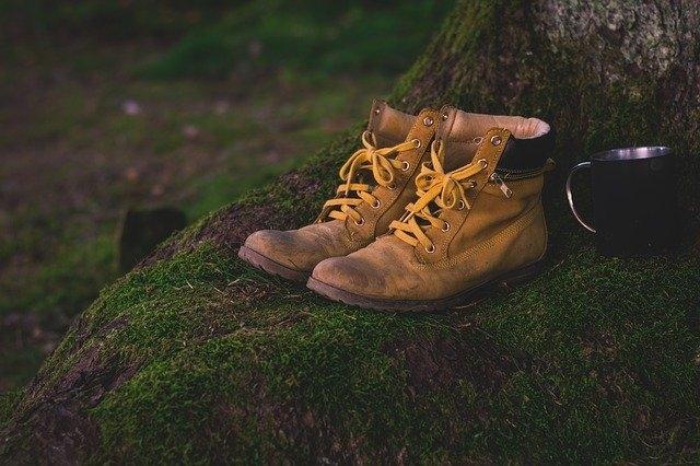 Qui a créé la première chaussure ?